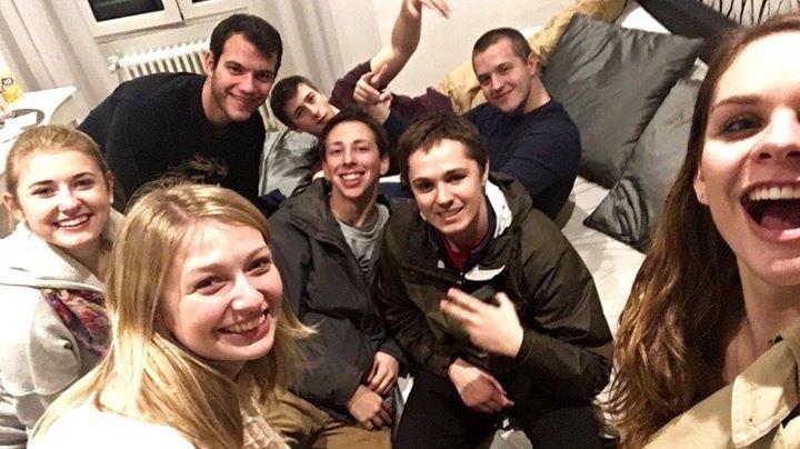 9 people